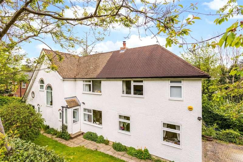 4 Bedrooms Detached House for sale in Lunghurst Road, Woldingham, Surrey, CR3