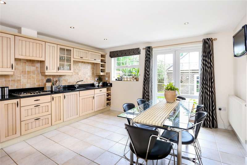 5 Bedrooms Detached House for sale in Victoria Way, Liphook, Hampshire, GU30