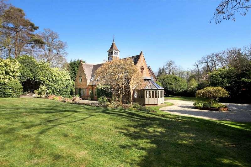 5 Bedrooms Detached House for sale in Chertsey Road, Windlesham, Surrey, GU20