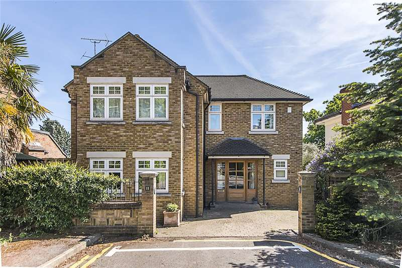 4 Bedrooms Detached House for sale in High Cedar Drive, London, SW20