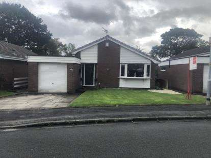 3 Bedrooms Bungalow for sale in Anderson Close, Padgate, Warrington, Cheshire