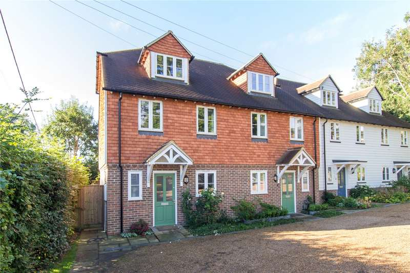 3 Bedrooms Semi Detached House for sale in Old Hall Cottages, High Street