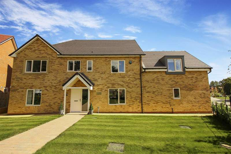 5 Bedrooms Detached House for sale in Beamish Way, St Mary Park, Stannington