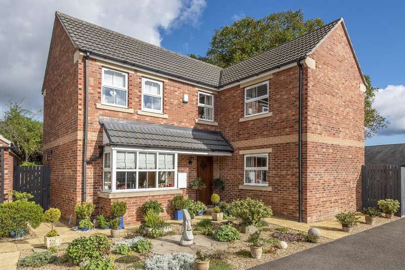 4 Bedrooms Detached House for sale in Wheatsheaf Close, Ripon, HG4 2SH