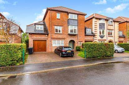 5 Bedrooms Link Detached House for sale in Leconfield, Darlington, Co Durham