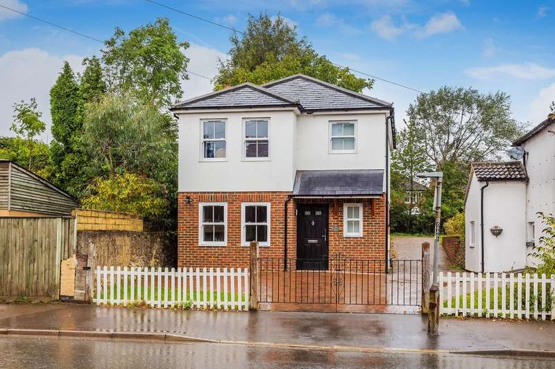 3 Bedrooms Detached House for sale in High Street, Godstone