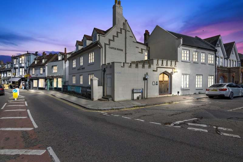 2 Bedrooms Flat for sale in PLOT 1 - Castle House, 17 Castle Street, Hertford