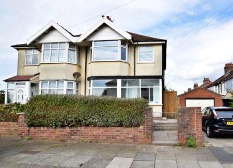 3 Bedrooms Semi Detached House for sale in Seacrest Avenue, Blackpool
