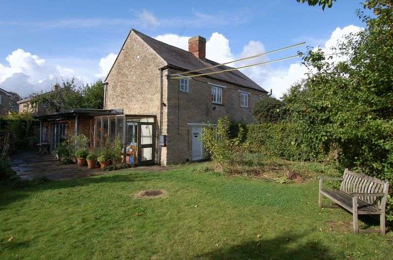3 Bedrooms Property for sale in Crown Road, Kidlington