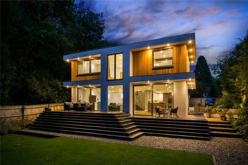 5 Bedrooms Detached House for sale in Chenies Avenue, Amersham, Buckinghamshire, HP6