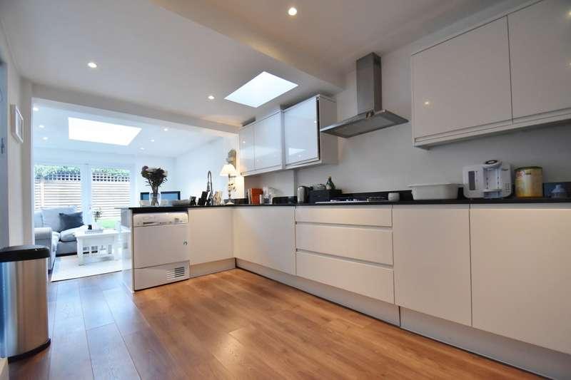 3 Bedrooms House for rent in Marsham Lane, Gerrards Cross, SL9