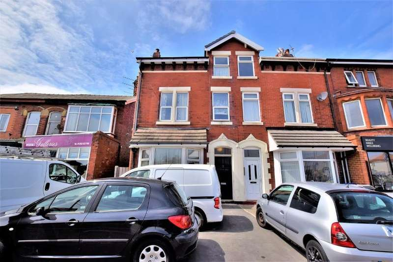 2 Bedrooms Flat for sale in Rossall Road, Thornton-Cleveleys