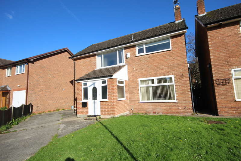 4 Bedrooms Detached House for sale in Deanery Close, Off Abbots Park