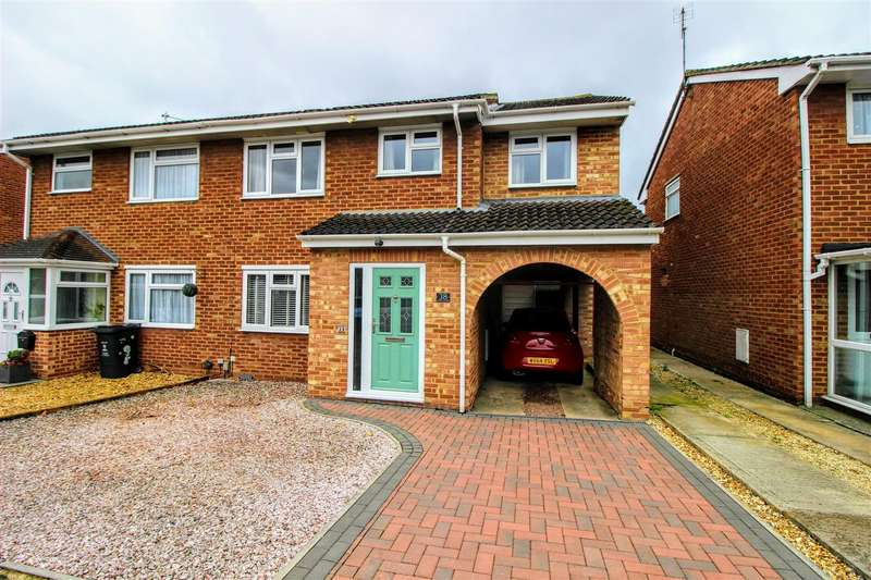 4 Bedrooms Semi Detached House for sale in Haig Close, Upper Stratton, Swindon, SN2