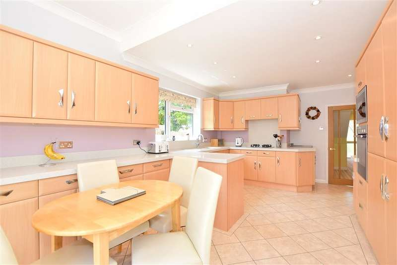 4 Bedrooms Detached House for sale in Spekes Road, , Hempstead, Gillingham, Kent