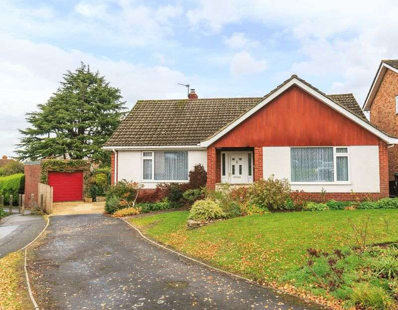 3 Bedrooms Property for sale in Leighton Green, Westbury