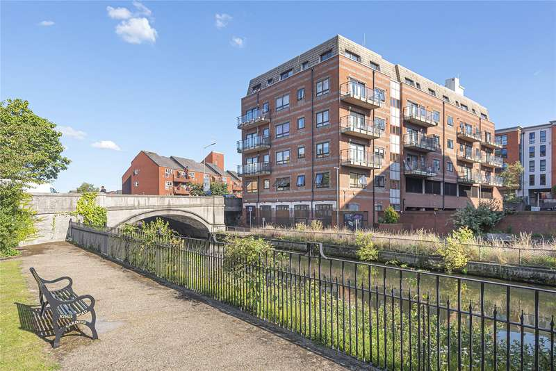 1 Bedroom Apartment Flat for sale in Royal Court, Kings Road, Reading, Berkshire, RG1