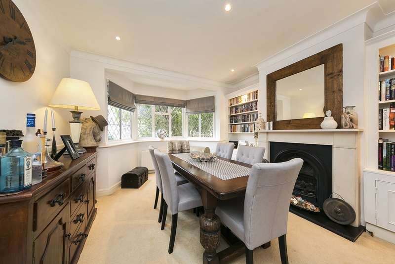 4 Bedrooms Semi Detached House for sale in Cyprus Avenue, Whitton TW2