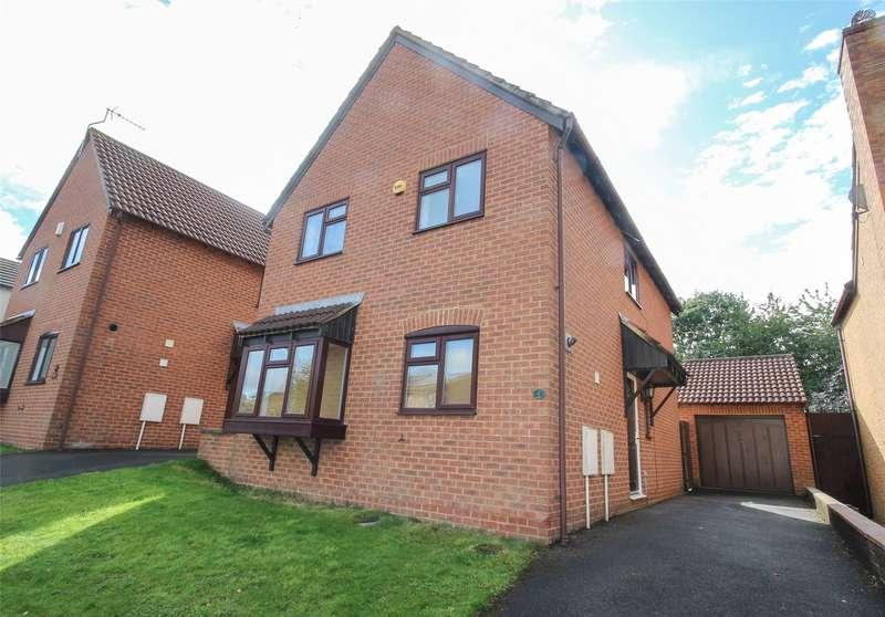 4 Bedrooms Detached House for sale in Railton Jones Close, Stoke Gifford, Bristol BS34