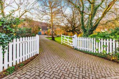 4 Bedrooms Bungalow for sale in Faceby, North Yorkshire, United Kingdom