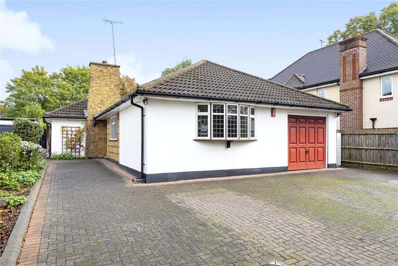 3 Bedrooms Detached Bungalow for sale in The Avenue, Hatch End, Pinner, Middlesex, HA5