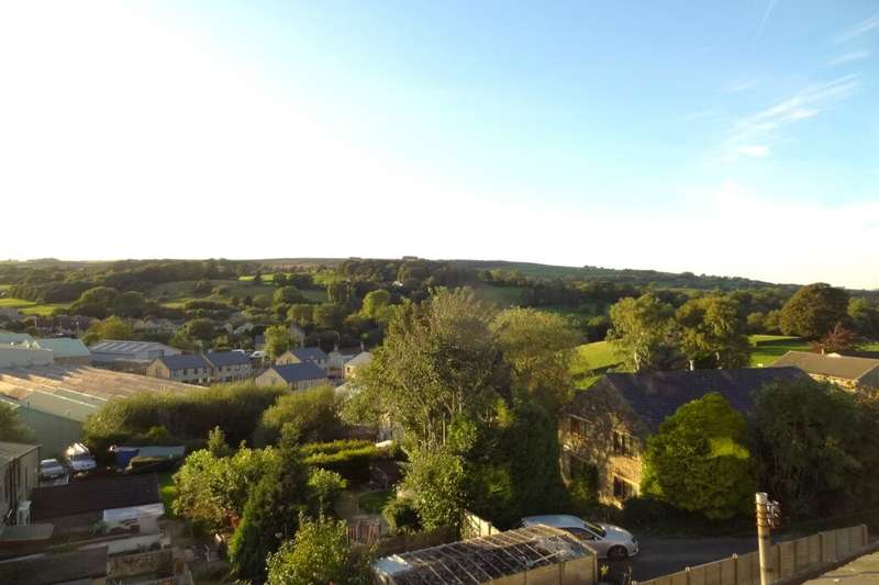 2 Bedrooms Terraced House for sale in Ormerod Terrace, Foulridge, Colne, BB8