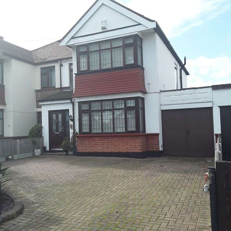 4 Bedrooms Property for sale in Manners Way, Southend-On-Sea