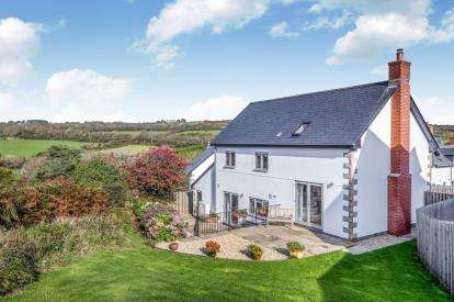 3 Bedrooms Detached House for sale in Nancledra, Penzance, Cornwall