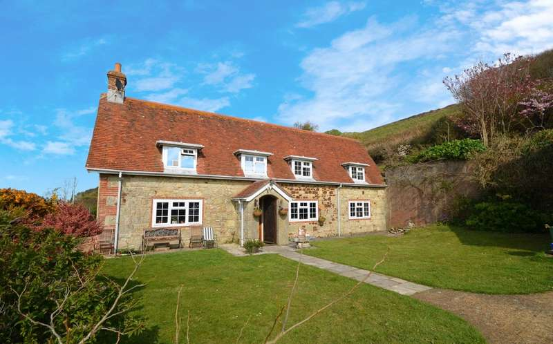 4 Bedrooms Detached House for sale in Chale , Isle Of Wight