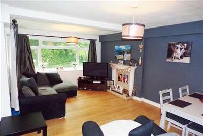 2 Bedrooms Flat for rent in Hayfield road, Moseley, Birmingham, B13 9LQ