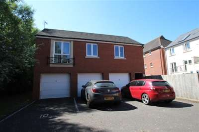 2 Bedrooms House for rent in East Fields Road, Stoke Park, Bristol