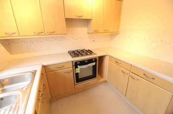 3 Bedrooms Semi Detached House for rent in Mardling Avenue, Nottingham