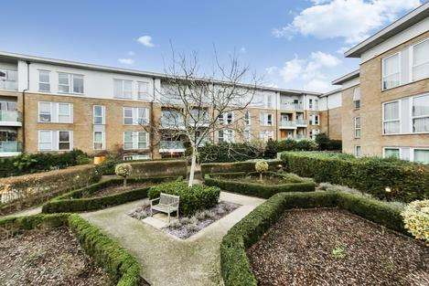 5 Bedrooms Town House for rent in Lausanne Road, London SE15