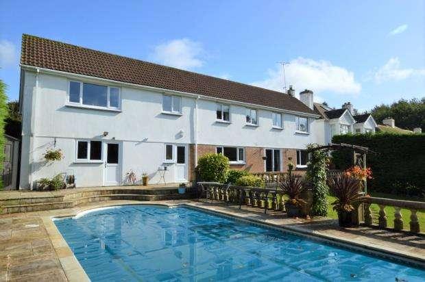 5 Bedrooms Detached House for sale in Briarwood, Liskeard, Cornwall