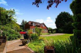 4 Bedrooms Detached House for sale in Horney Common, Uckfield, East Sussex