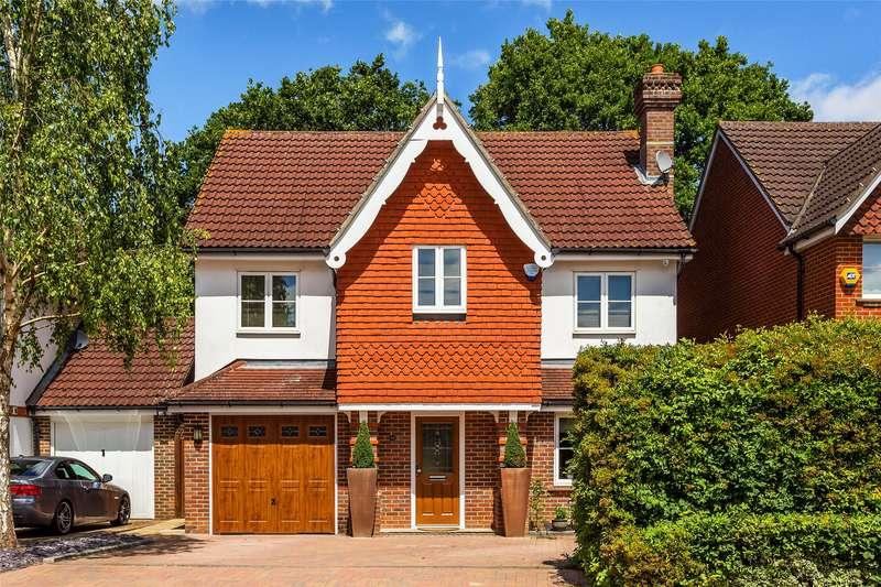5 Bedrooms Detached House for sale in Furze Close, Horley, Surrey, RH6