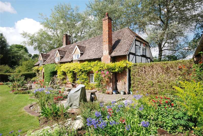 4 Bedrooms Detached House for sale in Rockbourne, Fordingbridge, Hampshire, SP6