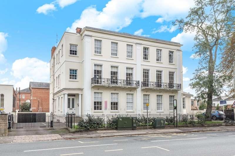 2 Bedrooms Flat for sale in St James Square, Cheltenham
