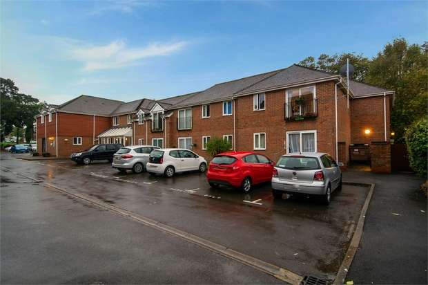 1 Bedroom Flat for sale in Woodlands Way, Andover, Hampshire