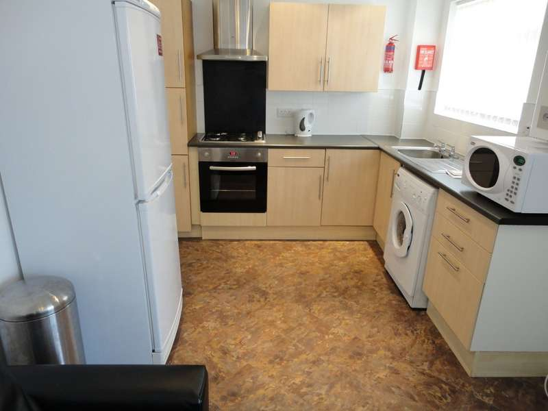 5 Bedrooms Terraced House for rent in Metchley Drive, Harborne, B17
