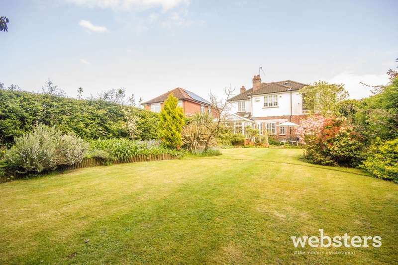 4 Bedrooms Detached House for sale in Old Catton, Norwich NR6