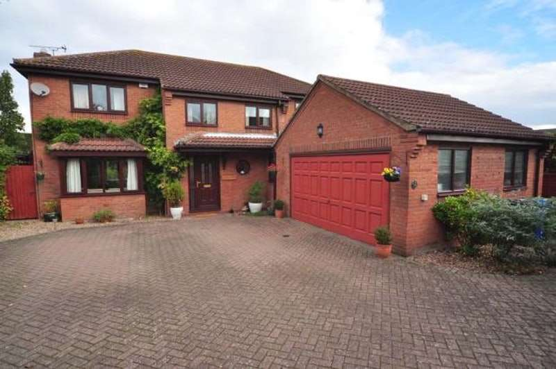 4 Bedrooms Detached House for sale in Cedar Close, Scotter, Gainsborough, Lincolnshire, DN21