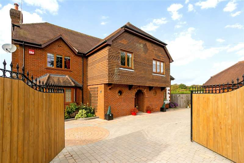 5 Bedrooms Detached House for sale in Homestead Road, Medstead, Alton, Hampshire, GU34