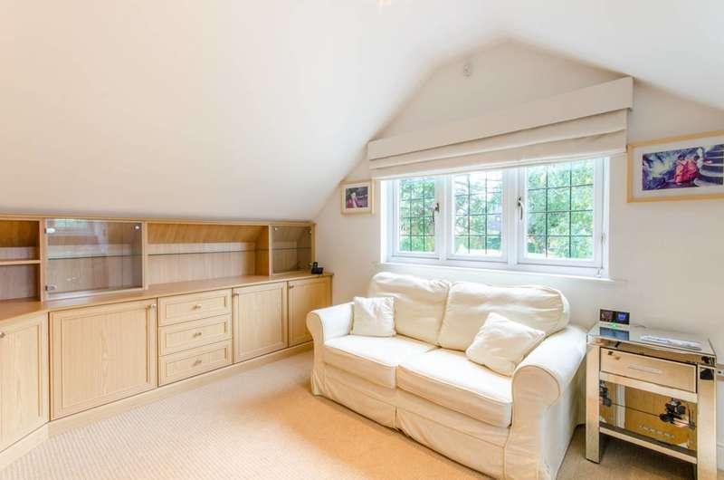 2 Bedrooms House for rent in Totteridge Green, Totteridge, N20
