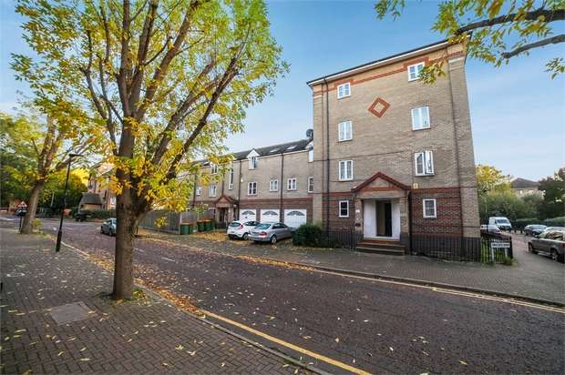 1 Bedroom Flat for sale in Viscount Drive, London