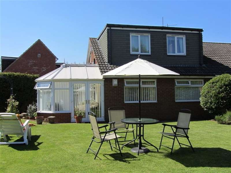 3 Bedrooms Semi Detached Bungalow for sale in Wellspring Close, Acklam, Middlesbrough, TS5 8RG