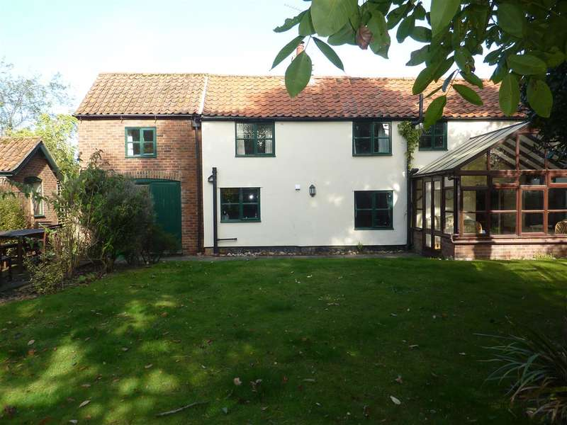3 Bedrooms Cottage House for rent in Hickling