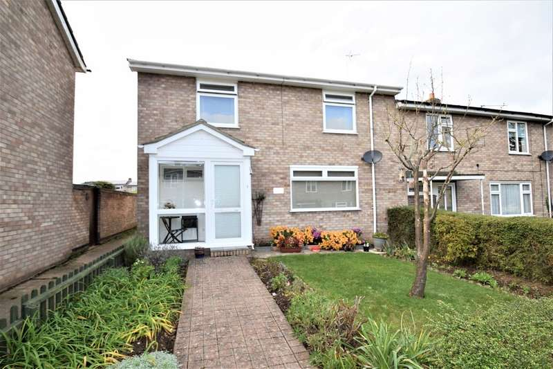 3 Bedrooms Semi Detached House for sale in Bridgeman Walk IP32 6PE