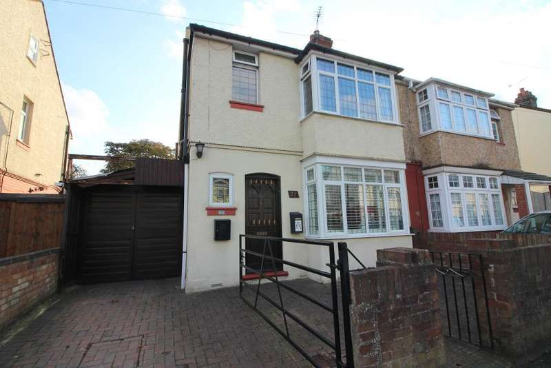 3 Bedrooms Semi Detached House for sale in Maryport Road, Luton, Bedfordshire, LU4 8EA