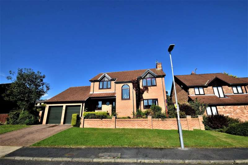 4 Bedrooms Detached House for sale in Lambton Court, Oakerside Park, Peterlee, County Durham, SR8 1NG